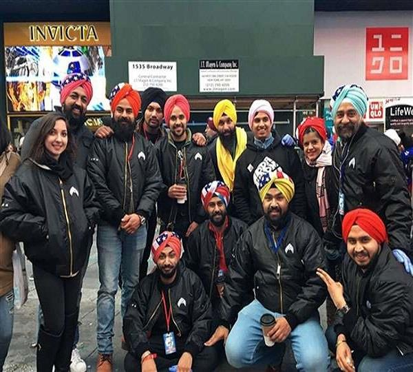 sikh group creates world record by tying thousands turbands