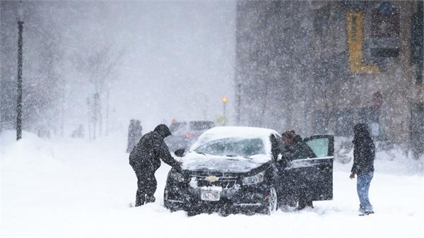 storm blasts central us with snow ice and wind killing 3