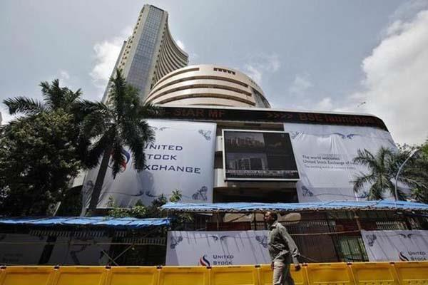 sensex down 50 points close to nifty 102004