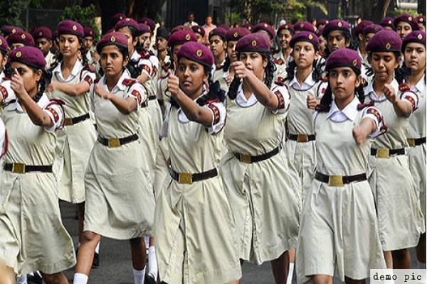 girls lucknow sainik school nda students