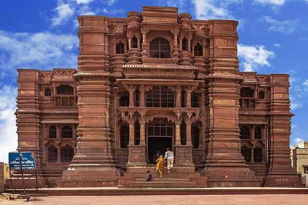 the most mysterious and grand temples of india