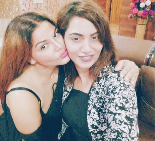 arshi khan and rakhi sawant troll after shared her dance video