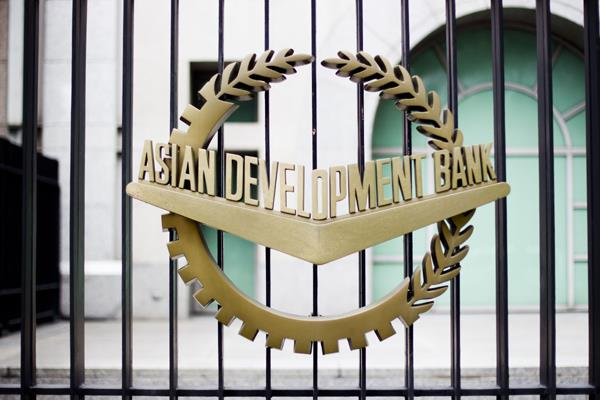 india needs robust exports investment to achieve 8 growth adb economist