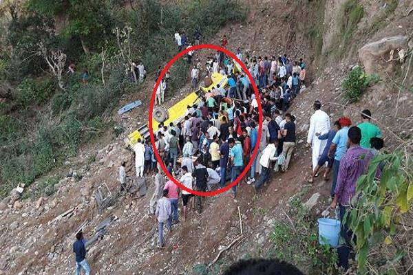 noorpur bus accidents after scattered part of the innocent