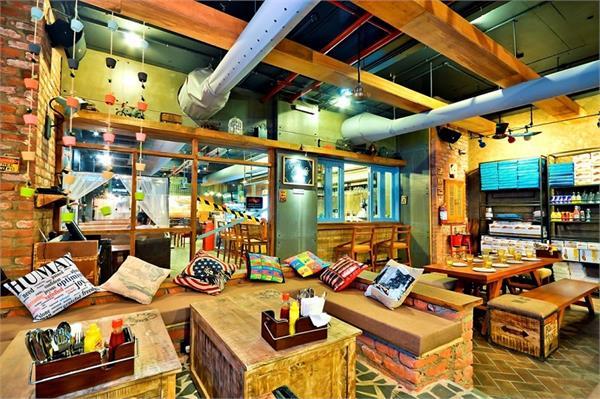 विदेशों में नहीं, भारत में बने हैं ये शानदार Book Cafe