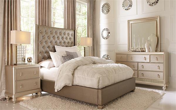 Vastu Tips: बैडरूम में रखें इन बातों का ध्यान, वैवाहिक जीवन रहेगा खुशहाल
