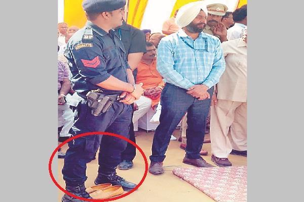 cm khattar shoes also vip security