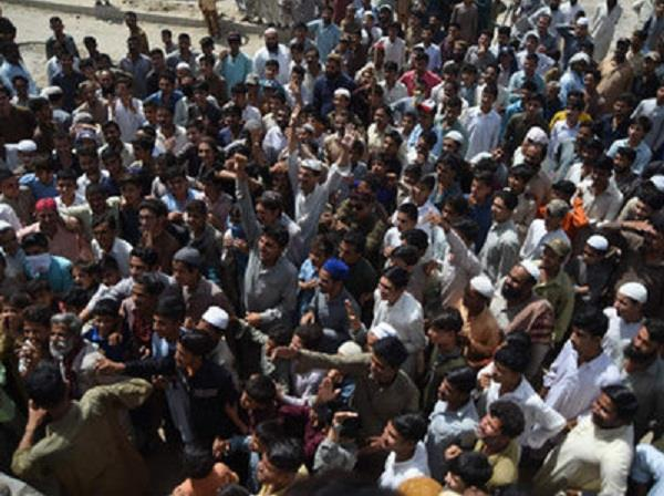rape and murder of 6 year old girl protests erupt in pakistan