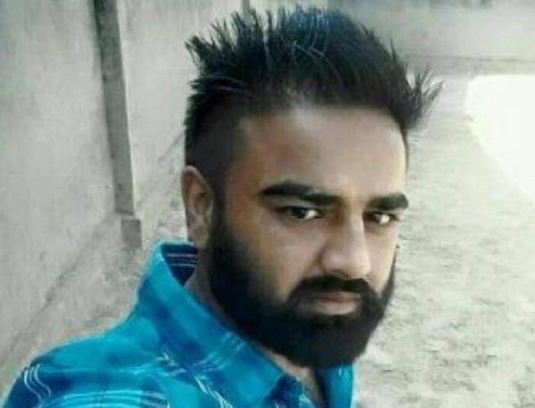 gangster vicky gundar s friend arrested from delhi