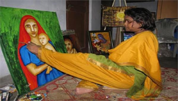 sheela sharma painting with toes