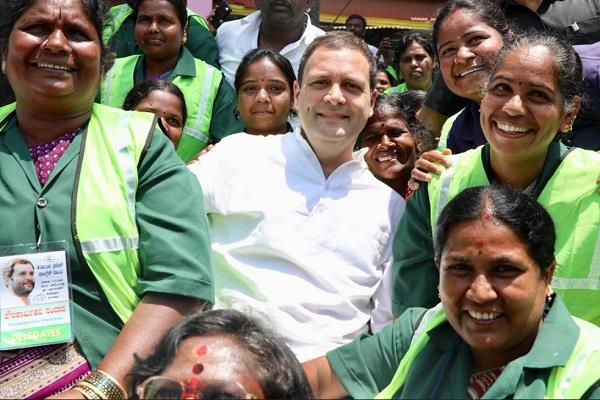 rahul take pictures with cleaners