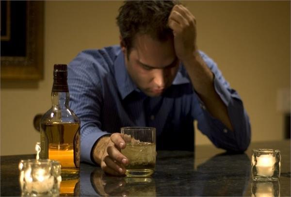 शराब छुड़ाने में बेहद मददगार हैं ये घरेलू नुस्खे, एक बार अजमाकर देखें