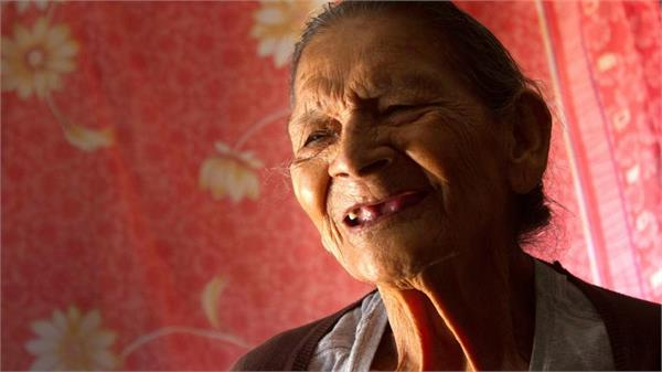guadalupe palacios is going to school at the age of 96