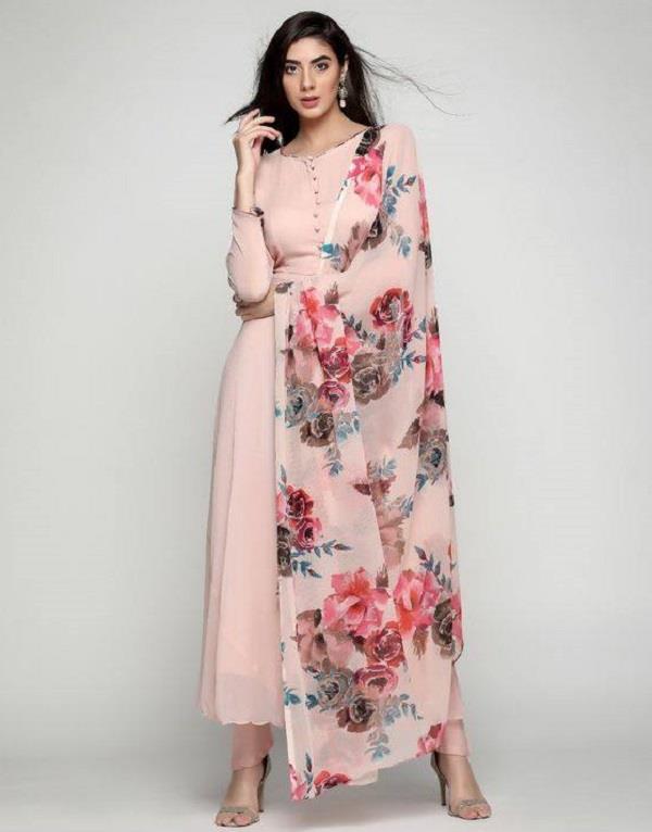Summer Fashion! प्रिंटेड सूट में दिखें कूल-कूल