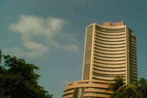 sensex up 90 points and nifty close to 10550