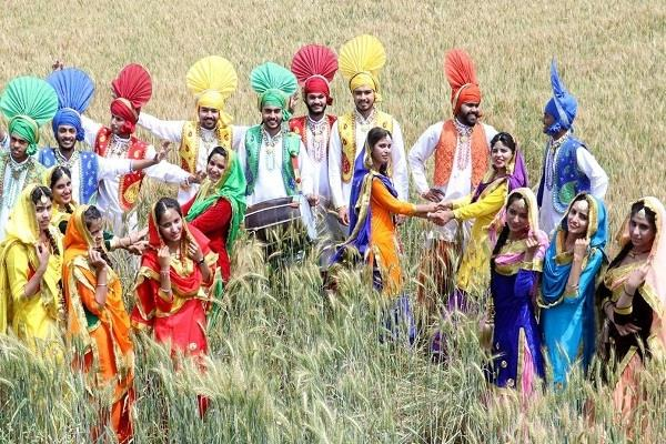 celebration of baisakhi in punjab