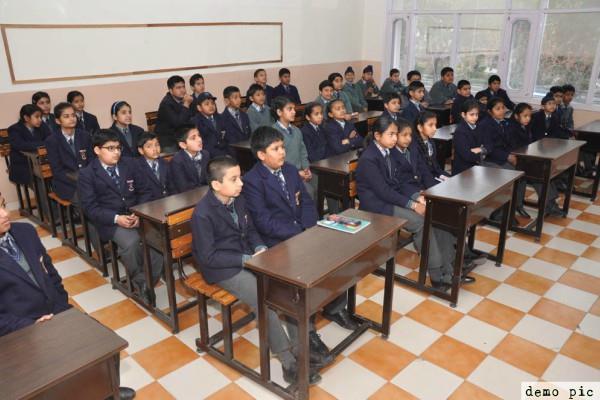 private schools  chandigarh  income fee