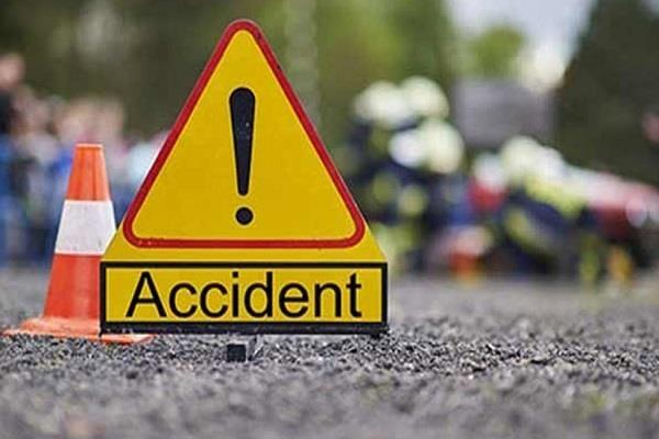 driver dies due to truck overturn