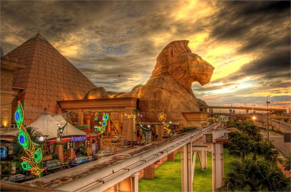 इन 7 शानदार मॉल्स के बिना अधूरी है आपकी देश-विदेश की सैर