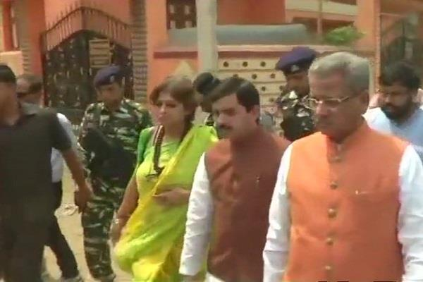 delegation reached out to meet the victims of violence target of mamta govt