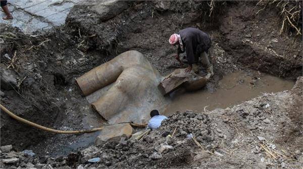 3000 year old treasure discovered in egyptian mud
