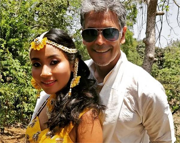 मिलिंद-अंकिता की शादी की रस्में हुई शुरू, हल्दी सेरेमनी पर इस अंदाज में आए नजर