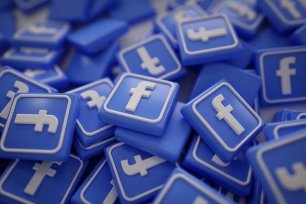 vietnam activists accuse facebook of censoring content