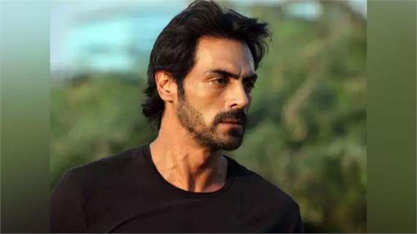 arjun rampal brother in law amit booked for molesting an air hostess