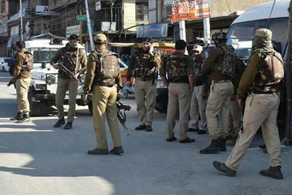 militant attack on polce patroling party in kashmir
