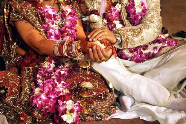 marriage in police station