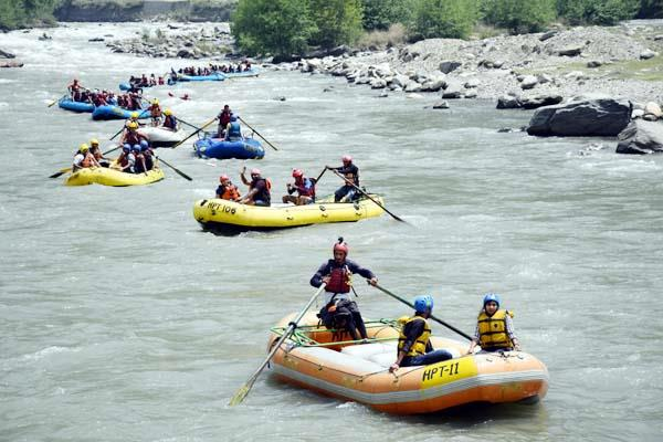 flirtation with the life of tourists in beas river after high alert