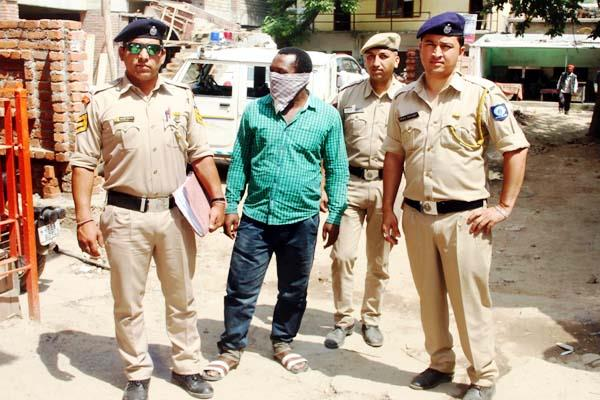 accused arrested from pune in case of rs 30 lakh fraud