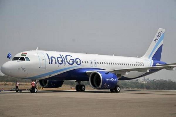 indigo flight delayed by more than 5 hours passengers furious