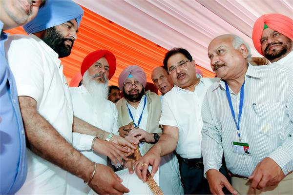 education minister s convoy also stopped for amarinder s protection