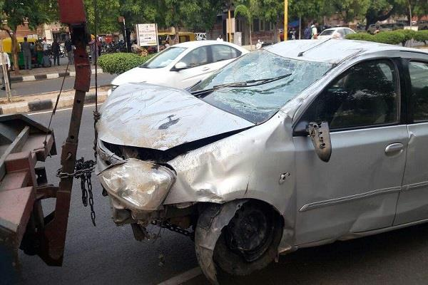 3 injured in road accident
