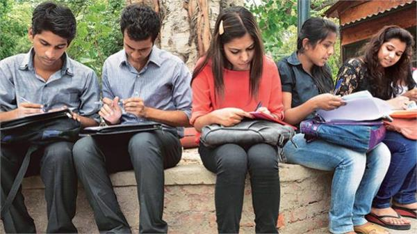 two percent additional benefit to obc students in du admission cutoff