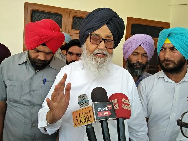 capt and randhawa forgive the debt of farmers badal
