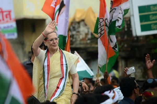 sonia gandhi will campaign after 21 months