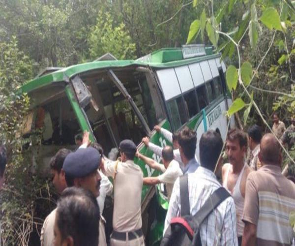 3 deadly death due to overcrowding of devotees more than 20 injured