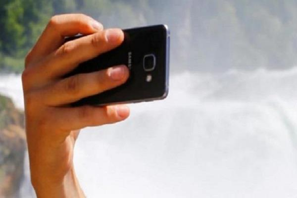 selfie seeping cost dear indian student drowning death