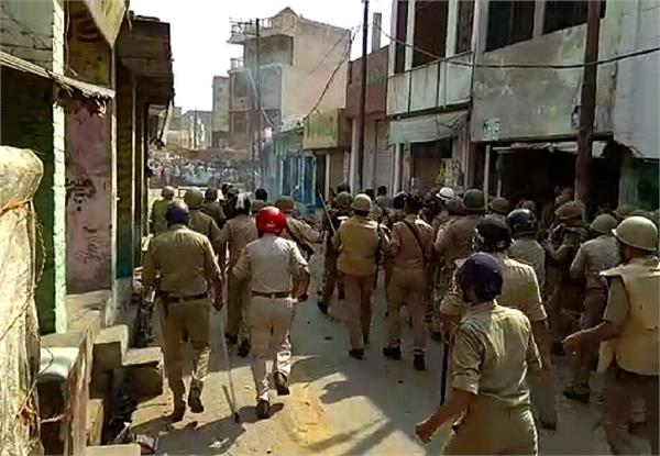 during robbery in kasganj killing of two women including 3