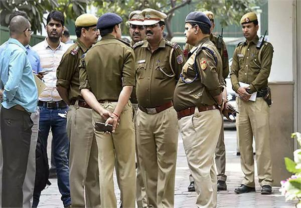 up policing change in uniform like inspector now will wear barrett caps