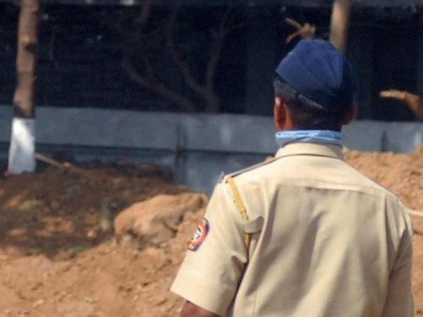 mumbai police constable seeks permission to beg in uniform