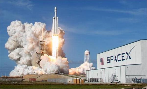 space x launches most powerful falcon 9