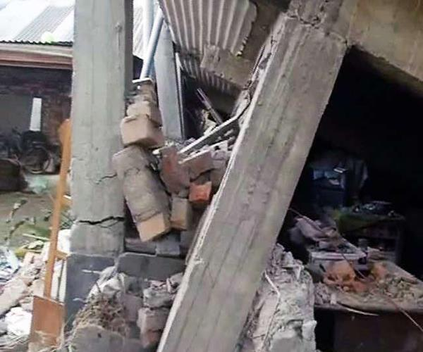 shabby house was undergoing renewal 3 die of painful death due to fall