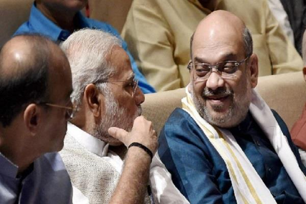 modi and shah focus on communication mission