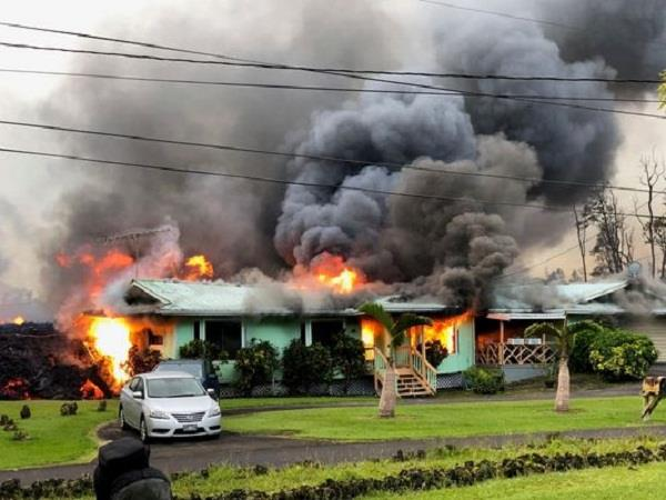 hwaii lava from kilauea volcano destroys more homes on the big island