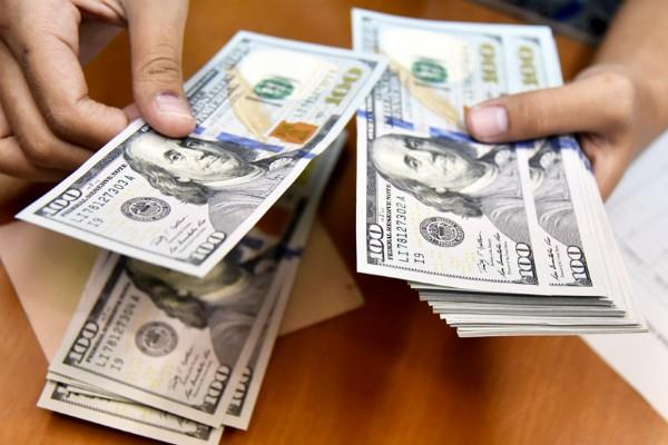indian foreign exchange reserves fall by 3 22 billion dollar
