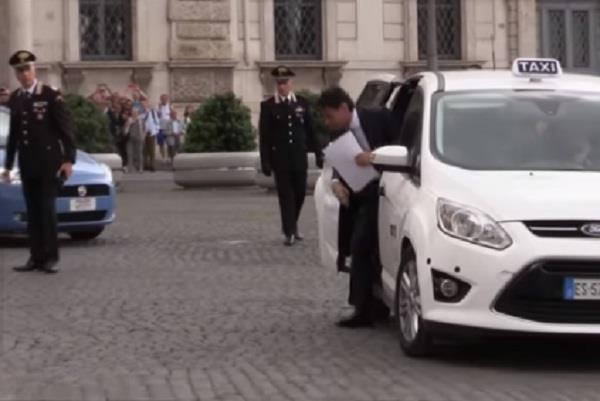 italy new pm comes in taxi to president house