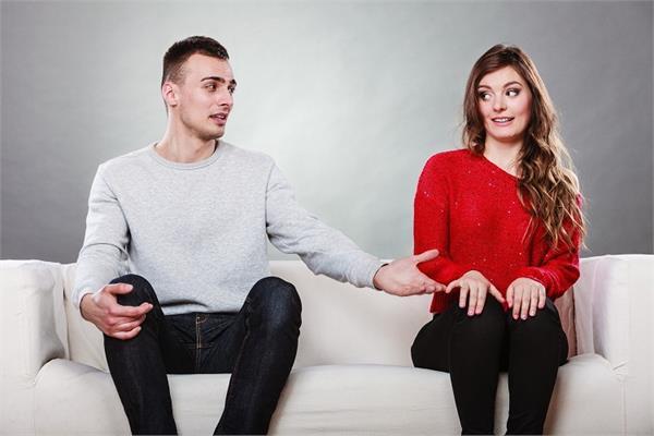 रिश्ते को मजबूत बनाने के लिए बोलने पड़ते हैं ये 5 झूठ